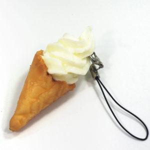 ソフトクリーム(バニラ)のストラップ