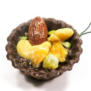 チョコタルト(ナッツ)のストラップ