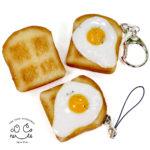 目玉焼きトーストの食品サンプル