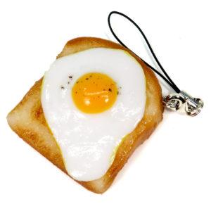目玉焼きトーストのストラップ